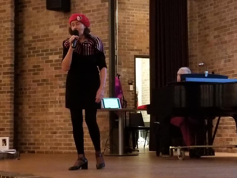 """Françoise Miran (Nice) chante """"Rose Blanche"""" de Bruant. Jean-Claude Orfali est au piano."""