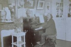 Marcel Legay au piano, n.d.