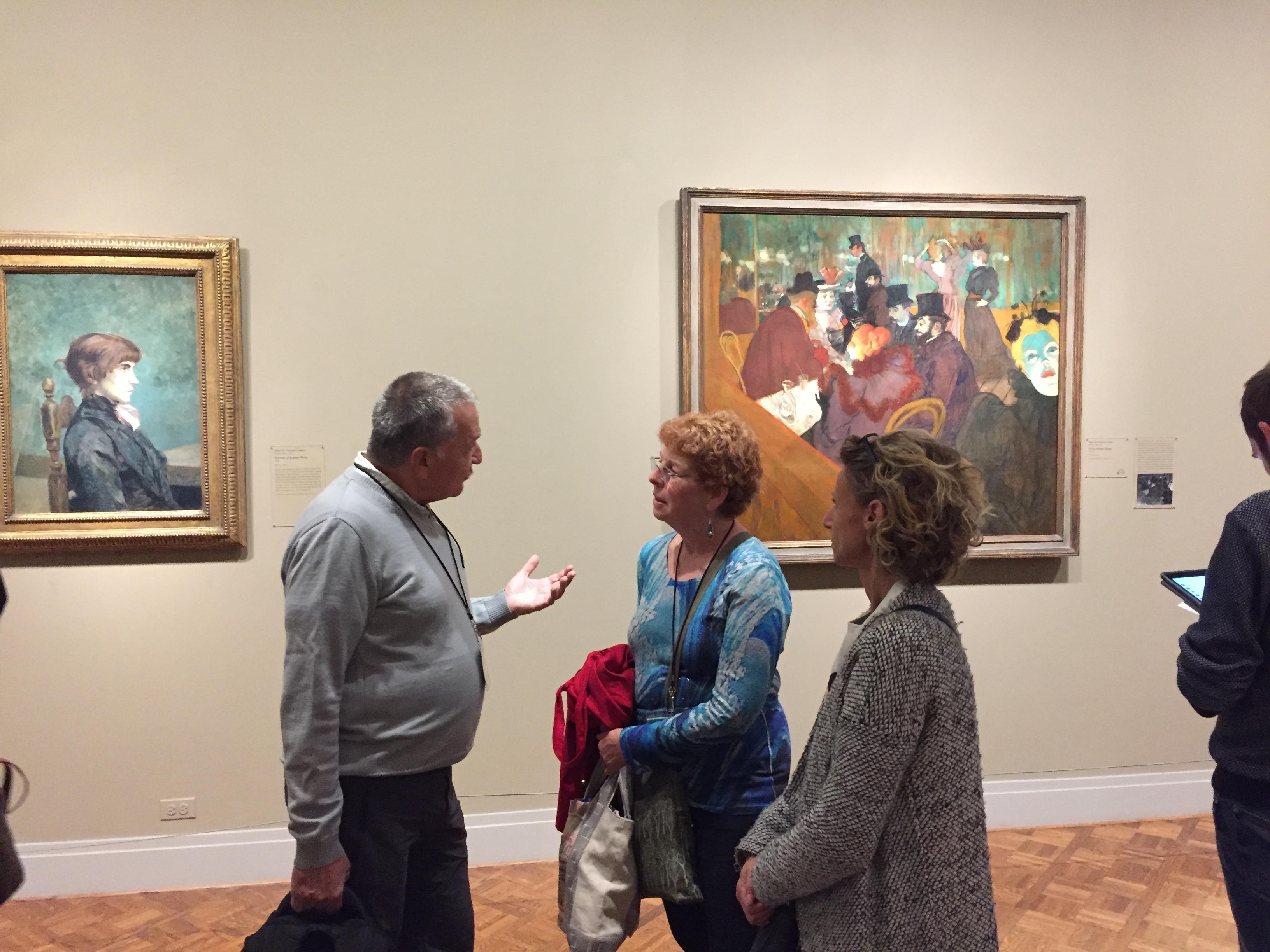 """Avec Susan Boldrey et Karine Vuoso devant """"At the Moulin Rouge"""" de Toulouse-Lautrec."""